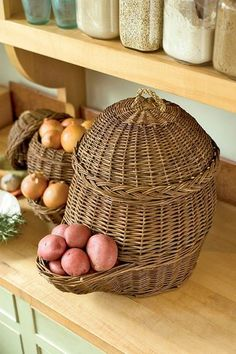 onion and potato storage baskets Great for my pantry Onion Storage, Potato Storage, Fruit And Vegetable Storage, Vegetable Basket, Storage Baskets, Kitchen Storage, Storage Ideas, Creative Storage, Storage Hacks