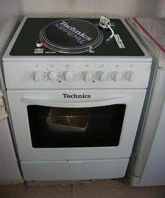 The other kitchen..... #turntable #turntablism #turntablewhisperer #mrnowthatshowyoudj #mrnowthatshowyouvj #coolrunningdjs by djshotgunn http://ift.tt/1HNGVsC