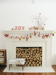 Now THIS fireplace is good to go...love the peace garland, too