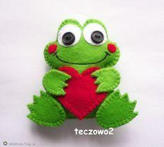 Fotoblog teczowo.flog.pl. - Żabka - broszka z filcu.  Zapraszam do polubienia mojej strony na facebooku :) https://www.facebook.com/pages/Teczowo2/141145...