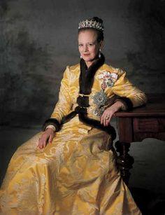Queen Margrethe II of Denmark goodbye stalker malu WE DONT KNOW YOU. LIVE WITH YOUR husbands parents. Farvel peter stå af du er ikke velkommen i min familie. fjern dig og vi er alle fuldstændig ligeglade med dig. somdukan se regeringen nye navne og du er VÆK. louise de ved alt fjern dit løgn. pyramide arb malu NEJ TAK.