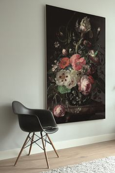 Wooden wall decorations from KEK Amsterdam - Styling ID - Styling ID Tips and Trends Wooden wall decorations from KEK Amsterdam print on golden age flowers - Wall Wallpaper, Wallpaper Backgrounds, Romantic Room, English Decor, Style Deco, Fantasy Kunst, Medan, Beautiful Drawings, Interior Exterior