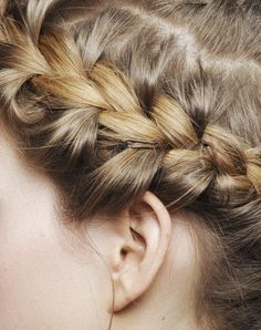 i would try this, but i fear i will just end up with a huge knot on the side of my head :/