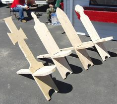 Plans to DIY these and several other styles of nice LARPing/camping chairs that easily break down for traveling. - Medieval style creations for your event camp. Cool Woodworking Projects, Woodworking Bench, Diy Wood Projects, Wood Crafts, Woodworking Videos, Youtube Woodworking, Woodworking Equipment, Woodworking Patterns, Woodworking Machinery