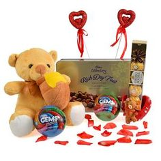 Beautiful hamper that is completely filled with joy and happiness from #GiftsnGreets.  Shop ‪#‎OnlinegiftstoIndia‬ @ http://www.giftsngreets.com