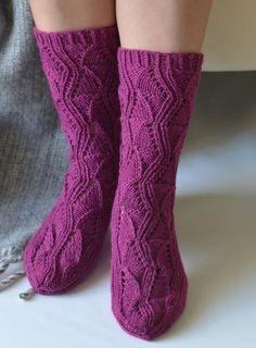 Teetee salla pitsisukat Comfy Socks, Knitting Socks, Knit Socks, Boot Cuffs, Drops Design, Yarn Colors, Leg Warmers, Crochet Lace, Mittens