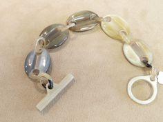 Horn solid links bracelet.
