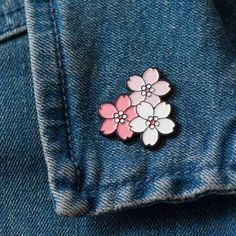 Sakura Cherry Blossom, Cherry Blossom Flowers, Pink Flowers, Stickers Kawaii, Jacket Pins, Valentines Flowers, Cool Pins, Pin And Patches, Pin Badges