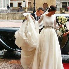 Iría espectacular!!! con su @covadongaplaza  @the_happy_day @lorenacarbajalmakeup #elinvernaderooviedo