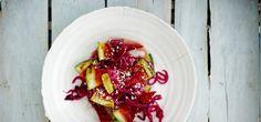 Grillattua vesimelonia, ricottaa, punasipulia ja balsamicoa