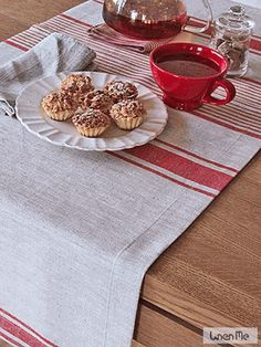 similar this pattern table runner? different color...