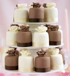 Perfect Wedding Cup Cakes  #wedding #weddingcake