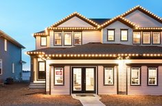 Take a photo tour of Broadview Homes. We unite a contemporary building philosophy & essential design considerations to create luxurious modern living. Contemporary Building, New Home Communities, New Home Builders, How To Take Photos, Calgary, Photo Galleries, New Homes, House Design, Mansions