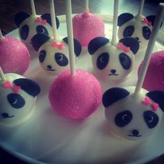 Panda cake pops but with green bows or no bows and green cake pops Panda Themed Party, Panda Party, Panda Birthday Cake, Baby Birthday, Shower Party, Baby Shower Parties, Kid Parties, Baby Shower Cakes, Bolo Panda