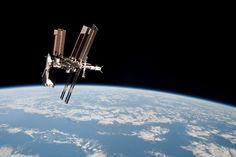 Setor americano da Estação Espacial Internacional foi contaminado Astronautas estão refugiados na área russa da instalação
