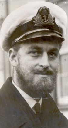 *PRINCE PHILIP ~ Bearded for active service: A wartime photograph of the Duke of Edinburgh. He served aboard HMS Valiant and saw action in the Mediterranean. 1940s Mens Hairstyles, Men's Hairstyles, Prins Philip, Duke Edinburgh, Elisabeth Ii, Casa Real, English Royalty, Queen Of England, British Monarchy