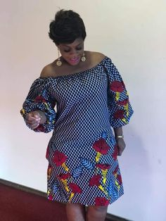 Beautiful straight dress puffed sleeves style: straight 2 pockets cotton fabric for any type of outing and used ideale for large sizes and small sizes hand wash or machine 30 ° Short African Dresses, African Blouses, African Print Dresses, African Fashion Ankara, Latest African Fashion Dresses, African Print Fashion, Couples African Outfits, African Attire, African Wear