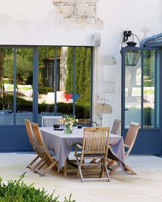15/15 http://trendland.com/amazing-17th-century-french-style-house-in-ile-de-re/ Gorgeous 17th century French style home, making it close to four centuries old, located on the serenity of the île de Ré (Isle of Re in English) just off the French Atlantic coastal city of La Rochelle.