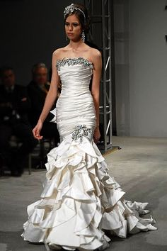 Pnina Tornai gown! Beautiful!!