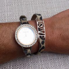 Origami Owl Signature Twist Watch! #fall2015collection contact me for more details :) www.ajordan.origamiowl.com host a live Facebook party today and earn this for FREE!