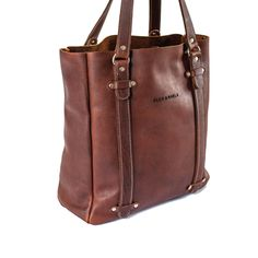 This handmade leather tote bag is designed for everyday use. Leather Bags Handmade, Tote Bag, Stuff To Buy, Beautiful Things, Vintage, Collection, Tote Bags