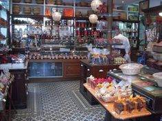 19th century candy store in Paris