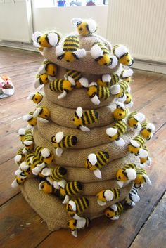 Buzz, buzz, buzz! These are knitted but you could easily do the same thing crocheted.