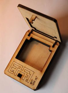 i love puzzle boxes this is a tut wonder if i can find some pne to make me one