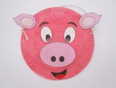 Maschera da maialino con piatti carta