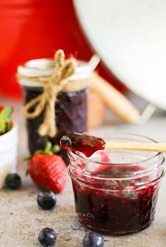 This Mixed Berry Quick Jam is quick & easy. With just 4 simple ingredients and less than 10 minutes you can have this delicious homemade spread. Mixed Berry Jam, Mixed Berries, Bobs, Jelly, Good Food, Homemade, Canning, Vegetables, Simple