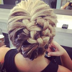 We've seen so many of our Nashville brides incorporate braids into their wedding day look, and we LOVE it! Here are some gorgeous braided hairstyles! #w101nashville #braids #weddinghair #somethingborrowedsomethingblue #noticingnashville