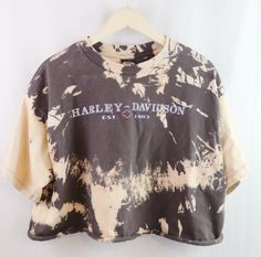 Custom Bleached Harley Davidson Motorcycles Shirt. Distressed. Edgy. Grunge. Grungy 90s style. 1990s inspired. Streetwear. 2017 trend. Street style. Festival fashion. Urban fashion. DIY distressed tee. Tyedye. Hipster fashion outfit. Shop on depop bannedtees instagram bannedtees