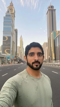 Prince Crown, Royal Prince, Male Peacock, Handsome Arab Men, Prince Mohammed, Sheikh Mohammed, Love You Very Much, Handsome Prince, Song Play