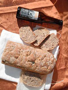 I biscotti della zia: Pane alla birra cruda, farro e noci