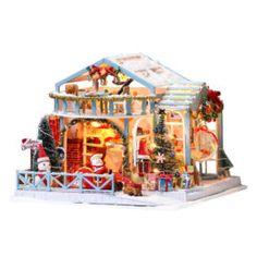 Casute DIY   Buburuza Wooden Dollhouse Kits, Miniature Dollhouse Furniture, Miniature Crafts, Diy Dollhouse, Miniature Christmas, Dollhouse Miniatures, Shabby Vintage, Snow Decorations, Christmas Night