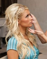 love the side braid with wavy hair!