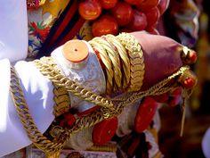 Details of the ceremonial hand jewellery worn by a Khampa girl |  © BetterWorld2010, via Flickr