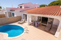 Perfect Holiday Townhouse for sale in Vale do Lobo! Find out more: http://www.oando.pt/en/portugal-property/algarve-townhouse-for-sale-vale-do-lobo-259