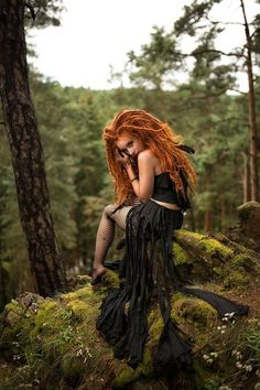 Creative and unique female pictures with dreadlocks on .- Creative and unique female pictures with dreadlocks on photo Beautiful Red Hair, Beautiful Redhead, Female Pictures, Female Images, Dreadlocks, Fantasy Photography, Fashion Photography, Redhead Girl, Redheads