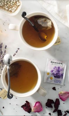 Bigelow Benefits Sleep: Every day is better after an amazing night of sleep. Bigelow's Sleep tea is a calming full bodied floral lavender flavor with sweet chamomile finish.