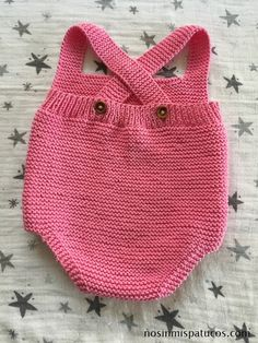 Extreme Cute Knitted Baby Rompers – Knitting And We Baby Knitting Patterns, Knitting For Kids, The Babys, Baby Overalls, Baby Pullover, Knitted Baby Clothes, Boy Blankets, Baby Vest, Boho Baby