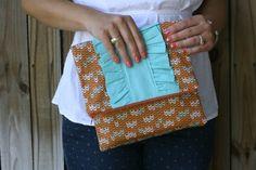 ruffl clutch, tutorials, clutch tutori, bag purs, ruffl foldov, clutches, quiltingsew idea, foldov clutch, sewing accessories
