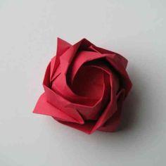 Un origami facile fleur – à offrir ou pour vous amuser tout en créant de belles choses!