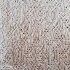 Moss Bordered Diamond stitch