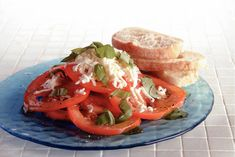 Kijk wat een lekker recept ik heb gevonden op Allerhande! Frisse tomatensalade met basilicumolie