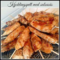 Linda´s Goda: Kycklingspett med salsasås Salsa, Chicken, Meat, Food, Gravy, Salsa Music, Restaurant Salsa, Essen, Yemek