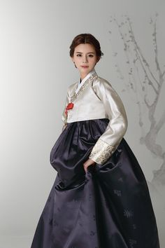 Korean Traditional Dress, Traditional Fashion, Traditional Dresses, Korean Dress, Korean Outfits, Korea Fashion, Asian Fashion, Modern Hanbok, Culture Clothing