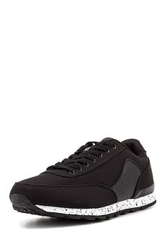 Stylishe schwarze #Sneaker von #Oill