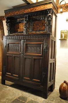 ANTIQUE CUPBOARDS-A WONDERFUL QUALITY MID 17TH CENTURY OAK AND INLAID YORKSHIRE COURT CUPBOARD. LEEDS / HALIFAX AREA. CIRCA 1650.