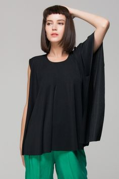 Front row Shop TOP WITH ASYMMETRIC SLEEVES